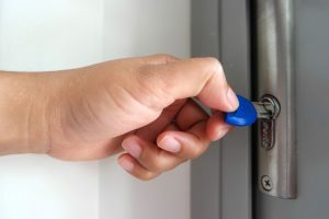 door security (818) 332-3109